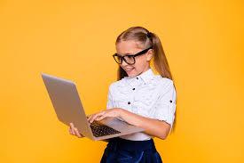 Работа в декрете на дому: как зарабатывать маме в декретном отпуске или беременной